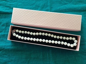 Genuine Pearls Luxury Size White Necklace (like Brand New Never Worn)
