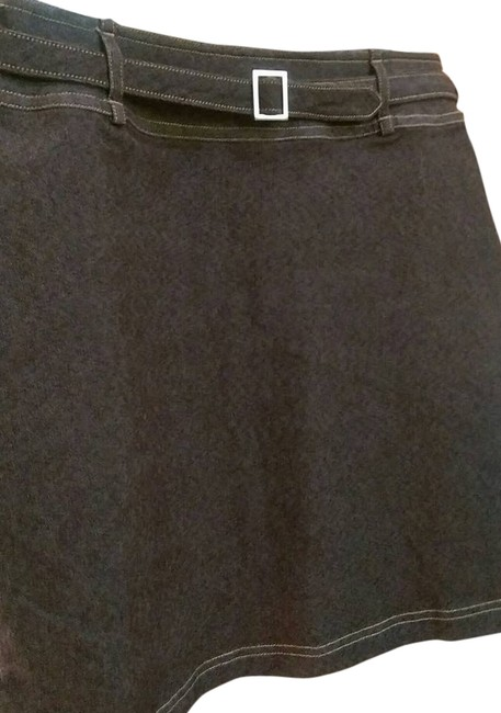 Preload https://item3.tradesy.com/images/brown-above-stretchnice-fitted-knee-length-skirt-size-8-m-29-30-4878577-0-0.jpg?width=400&height=650