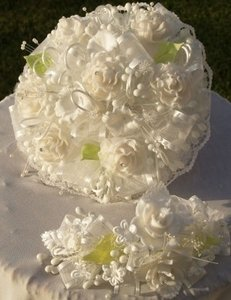 Handmade Round Bouquet White Roses & Headpiece