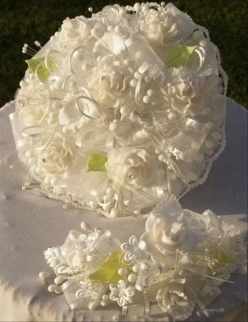 White & Green Handmade Round Bouquet Roses Headpiece White & Green Handmade Round Bouquet Roses Headpiece Image 1