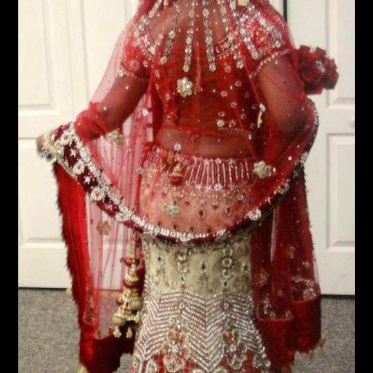 Red and White with Heavy Crystal and Beading. Bridal Lengha Traditional Wedding Dress Size 4 (S) Image 8