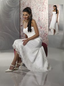 Diamond/Silk White Satin Forever Yours Intrigue #39108 Destination Wedding Dress Size 6 (S)