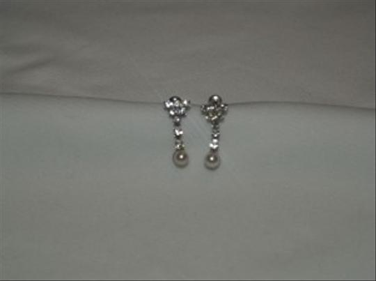 Silver/Silver Crystals and Pearls Dangling Earrings