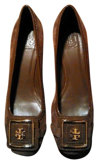 Preload https://item4.tradesy.com/images/tory-burch-brown-leather-and-suede-with-gold-logo-pumps-size-us-8-regular-m-b-4907488-0-0.jpg?width=440&height=440