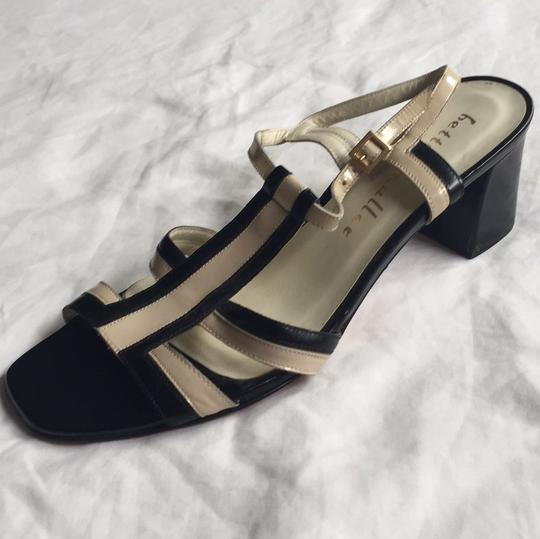 Bettye Muller Black/beige Pumps