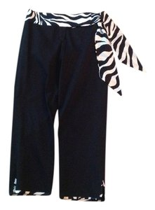 Cache Capri/Cropped Pants Black with zebra design trim