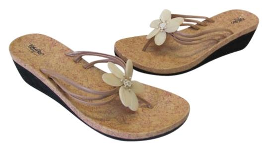 Mossimo Supply Co. New Size 6 neutral Sandals