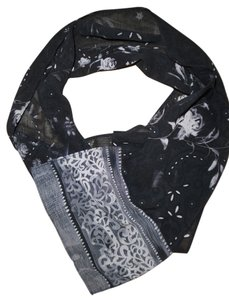 Other Black & White Roses Floral Sheer Neck Scarf
