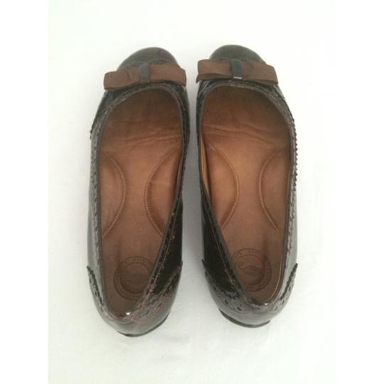 Other Brown Flats Image 1