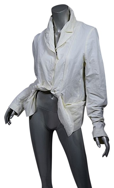 Preload https://item1.tradesy.com/images/cream-dip-nylon-blend-faille-wtwisted-hemline-s-germany-spring-jacket-size-2-xs-4914865-0-0.jpg?width=400&height=650