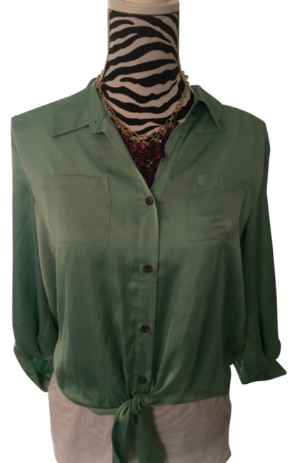 Preload https://item1.tradesy.com/images/vince-camuto-blouse-size-petite-14-l-4914880-0-0.jpg?width=400&height=650