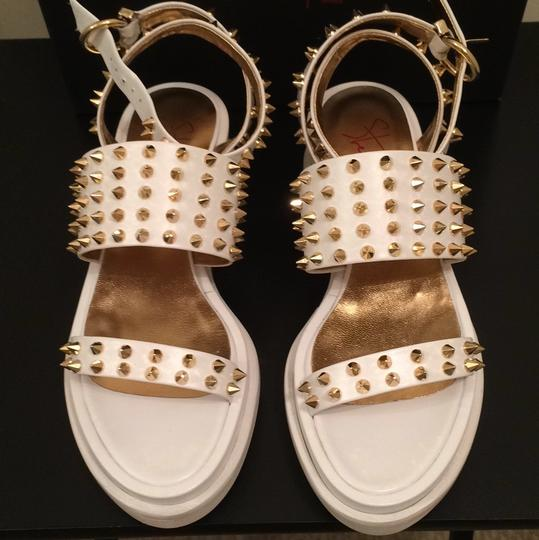 Walter Steiger New Nwt Nib Platform Gold Studs Fashion Style Stylish Cool Designer French France Paris White Sandals