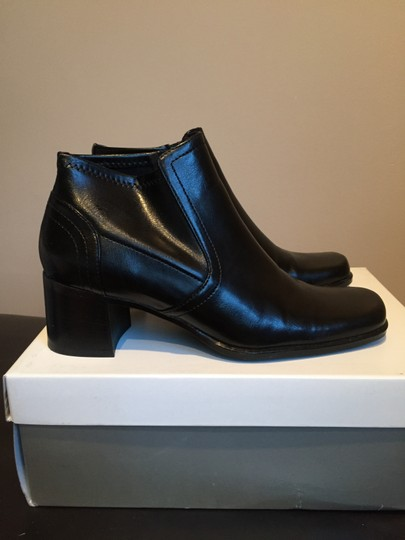 Liz Claiborne Black stretch Boots