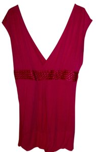 Popsy V Neck Front And Back T Shirt Fuscia