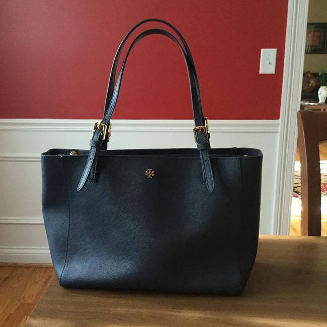 Item - York Small Buckle Navy Leather Tote