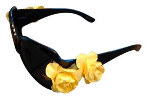 Tracey Vest Yellow Rose Embellished Black Sunglasses
