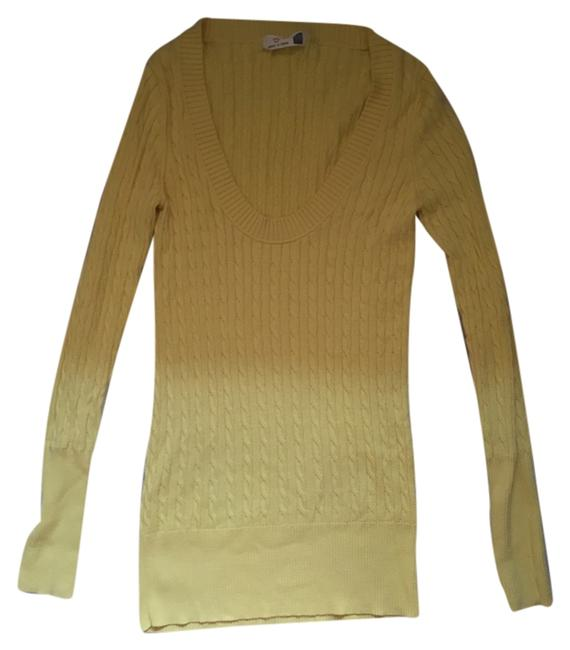 Preload https://img-static.tradesy.com/item/4939795/gap-yellow-classic-scoop-neck-cable-knit-sweaterpullover-size-8-m-0-0-650-650.jpg
