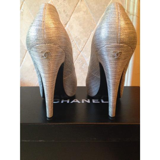 Chanel silver and black Pumps