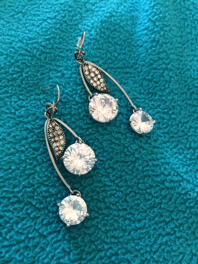 Juicy Couture Juicy Couture Cherry Drop Earrings