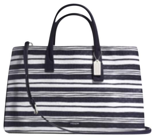 Preload https://item3.tradesy.com/images/coach-tote-bag-white-and-blue-4940632-0-0.jpg?width=440&height=440