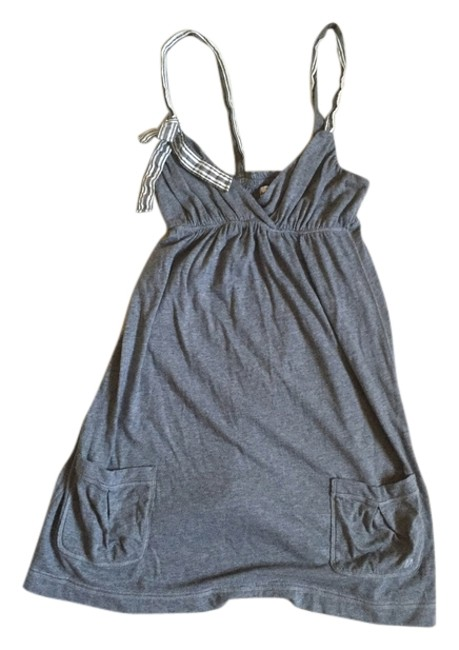 Preload https://item4.tradesy.com/images/abercrombie-kids-gray-with-modern-bow-detail-mini-short-casual-dress-size-2-xs-4940833-0-0.jpg?width=400&height=650