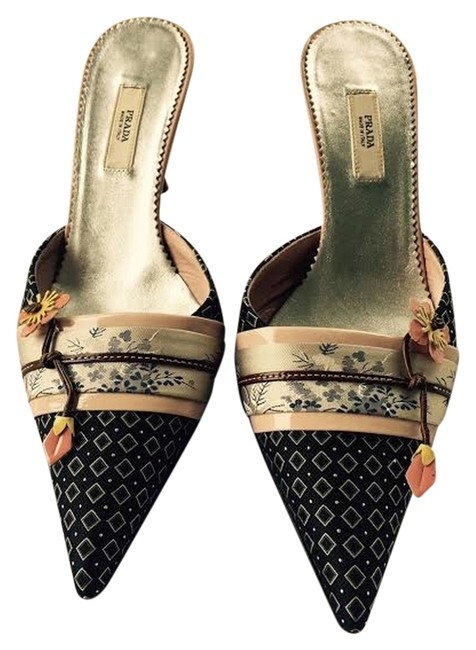 Item - Blue and Silver with Pink Leather Flower Accents. Calzature Donna Mules/Slides Size US 5 Regular (M, B)