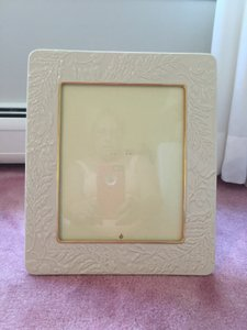 New!!! High Quality In Perfect Condition Lenox Picture Frame In Cream With Gold Trim