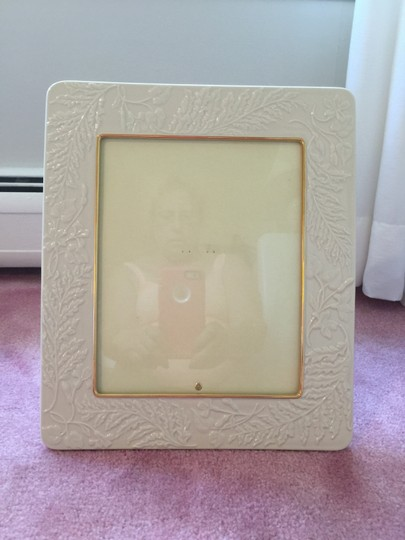 Ivory with Gold Trim New High Quality In Perfect Condition Lenox Picture Cream Photo Frame