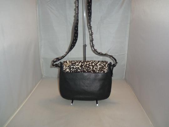 Michael Kors Next Day Shipping Black / White Messenger Bag Image 8