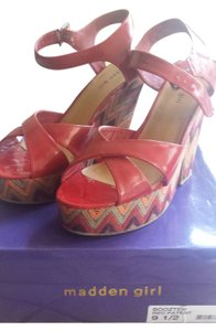 Madden Girl Steve Red patent leather Wedges