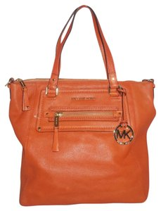 Michael Kors Next Day Shipping Tote in Orange ( Tangerine )