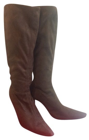 Preload https://item1.tradesy.com/images/brown-suede-chic-bootsbooties-size-us-6-regular-m-b-4946995-0-0.jpg?width=440&height=440