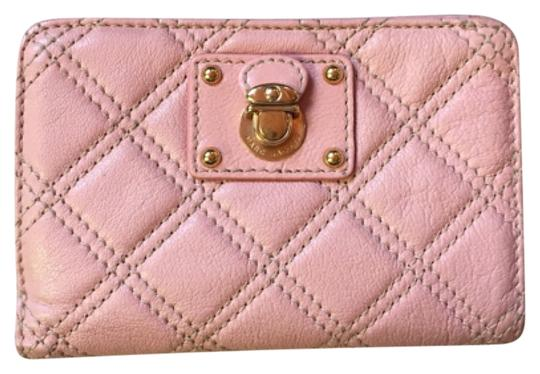 Preload https://item2.tradesy.com/images/marc-jacobs-light-pink-quilted-compact-wallet-4947691-0-0.jpg?width=440&height=440