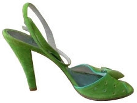 Preload https://item4.tradesy.com/images/marc-jacobs-green-suede-with-flower-detail-pumps-size-us-9-regular-m-b-4948-0-0.jpg?width=440&height=440
