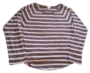 Gap T Shirt Light & Dark Gray