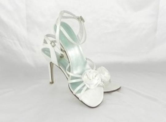 White Poppy Formal Size US 9.5