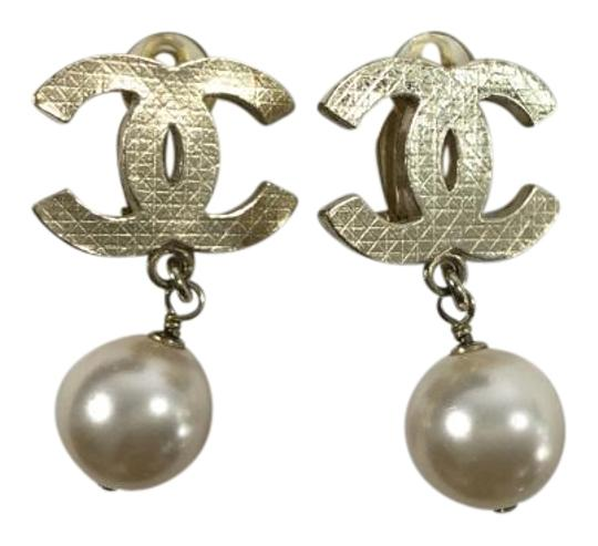 Chanel Gold CC Logo with Pearl Earrings
