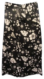 Disney Skirt black and white