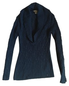 Charlotte Russe Classic Classy Trendy Fall Preppy Sweater