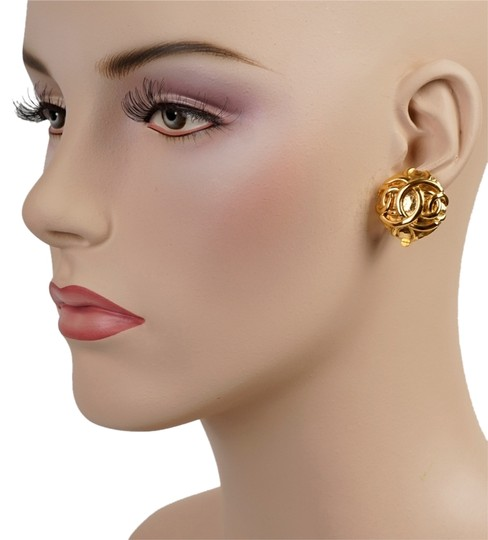 Chanel Chanel Gold Double CC Earrings