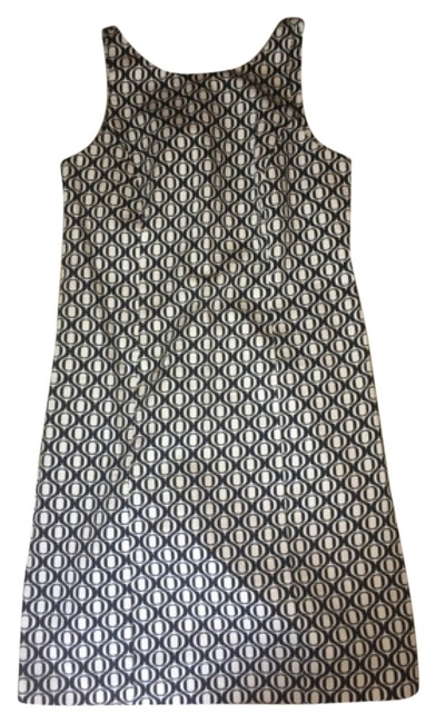 Preload https://item3.tradesy.com/images/metro-style-dress-black-and-white-pattern-4953037-0-0.jpg?width=400&height=650