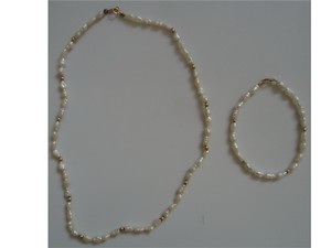 Natural Freshwater Pearls Necklace/bracelet Set