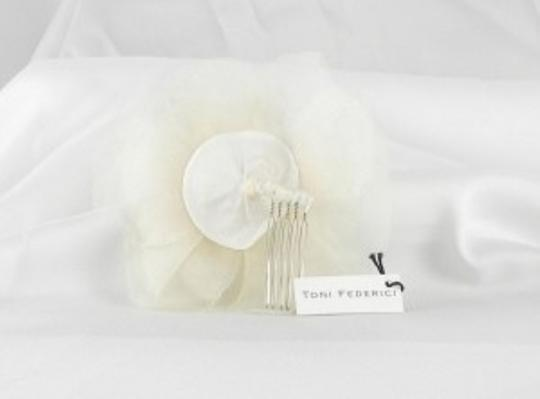 Toni Federici Ivory Peony Haircomb Hair Accessory