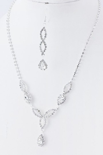 Preload https://img-static.tradesy.com/item/49622/clearother-rhinestone-bridebridesmaids-earring-se-necklace-0-0-540-540.jpg