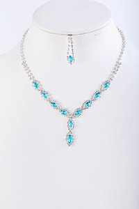 / Oval Aqua Rhinestone Necklace and Earring Set ***h