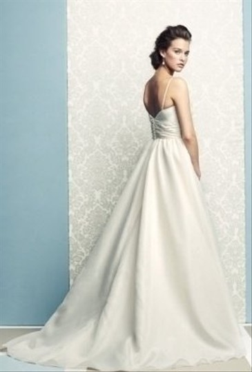 Mikaella Bridal Ivory Vegan Organdy Over Taffeta 1460 (Paloma Blanca) Feminine Wedding Dress Size 2 (XS)