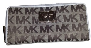 Michael Kors Michael Kors Zip Around Wallet