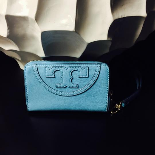 Tory Burch NWT Tory Burch All T Smartphone Wristlet