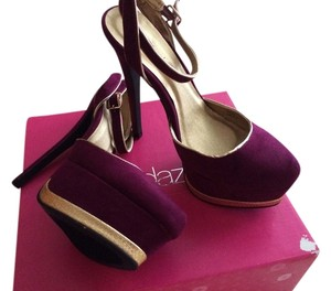ShoeDazzle Burgundy/gold Pumps