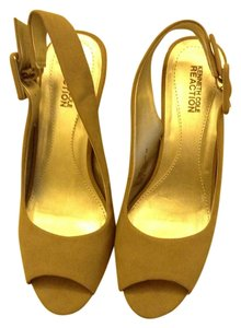 Kenneth Cole Tan peep toe with buckle Pumps